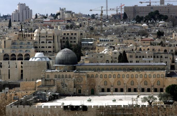 Masjid al-Aqsa di Palestin.  Palestin merupakan pusaka bapa para nabi, Nabi Ibrahim a.s buat penganut agama tauhid.  Maryam melahirkan Isa al-Masih di Palestin.