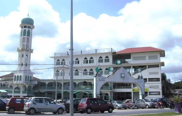 Masjid Rusila di Marang, Terengganu.  Jemaah sedang solat Jumaat pada 26 Muharram 1430H