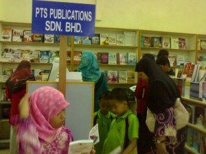 Sudut buku-buku PTS Publications Sdn Bhd
