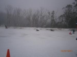 Salji hanya ada di pergunungan tertentu di Australia.